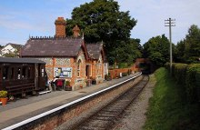 Chinnor, Train Station, Oxfordshire © Steve Daniels